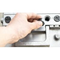 Колко електролит събира акумулатора?